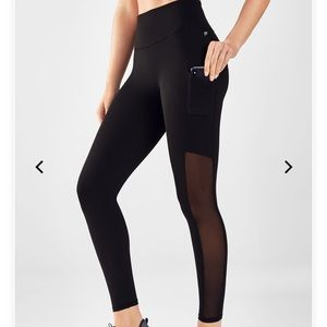 NWT Fabletics High-waisted mesh power hold legging